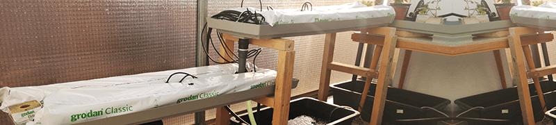 Základní díly pro sestavení venkovní domácí hydroponie